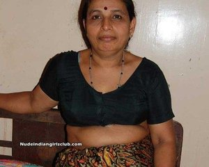 Naked aunty pics | Nude Indian Girls and Bhabhi Pictures