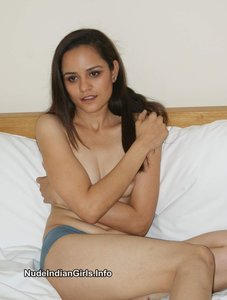 Delhi Girl Rekha Nude Removing her Clothes Possing her Boobs